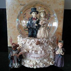 VTG Boyds Collection Music Globe Dollstone